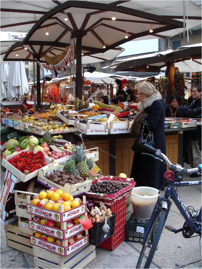 Open air market in Italy